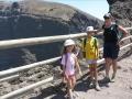 Il est interdit de faire le tour du cratère : un piège à touristes....
