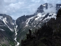 Du petit sommet coté 2388m, on est face à la Muzelle et au col éponyme