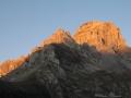 Lever de soleil sur les Petit et Grand Obiou, depuis le parking