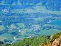 De gauche à droite, le hameau des Verneys, le Clos Moulina et le plan d'eau de Valbonnais