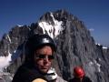 """Au sommet sur fond de """"Barre des Ecrins"""""""