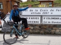 La photo traditionnelle  au sommet du Col de la Croix de Fer !