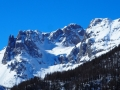 De gauche à droite : les Tenailles et le Pic de Montbrison