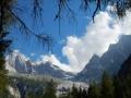 En montant au refuge suisse Sasc Fiora