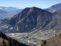 Valbonnais, son plan d'eau  et le sommet du Roussillon