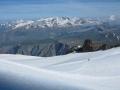 Depuis le glacier de la Girose, le massif des Grandes Rousses au fond