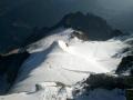 La trace sur le glacier du Tabuchet mène au refuge de l'Aigle